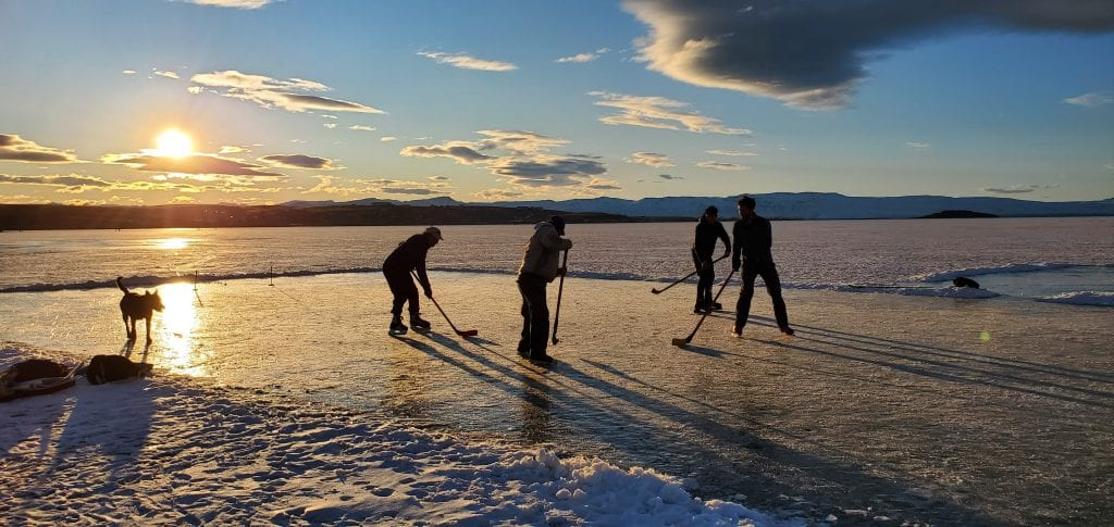Things to Do in El Calafate in the Winter - hockey